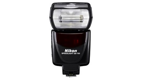 Blesk Nikon SB-700 černý + Doprava zdarma