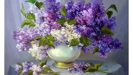 Plastický obraz květin ve váze s fialovým tématem