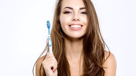 Důkladná dentální hygiena pro zářivý úsměv