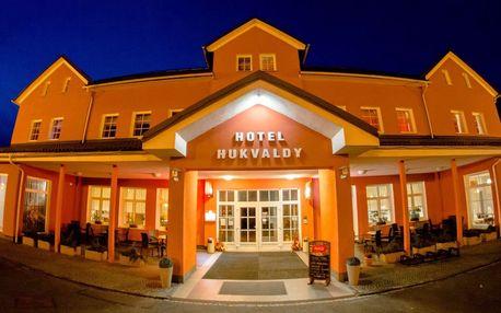 Neomezený letní wellness v Beskydech v Hotelu Hukvaldy s polopenzí pro 2 osoby