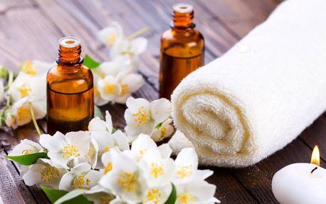 Masáž těla s květinovým či přírodním olejem