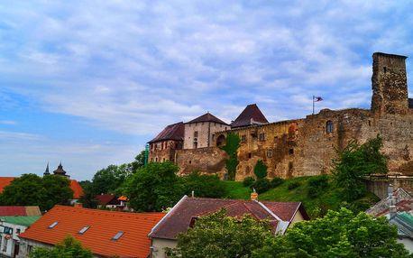 Pobyt pod hradem v Lipnici nad Sázavou na Vysočině se snídaní, vínem a vstupem na hrad