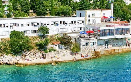 8denní pobyt s polopenzí v hotelu Delfin*** pro 1 osobu na chorvatském ostrově Krk