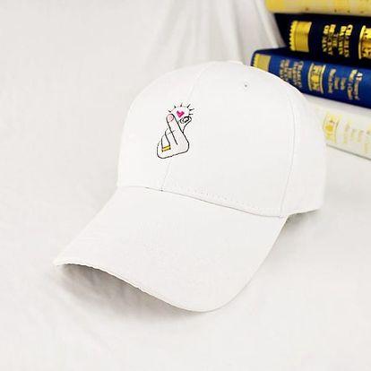 Dámská baseballová čepice decentně zdobená znakem luskajících prstů
