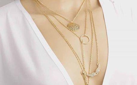 Vícevrstvý náhrdelník s několika přívěsky
