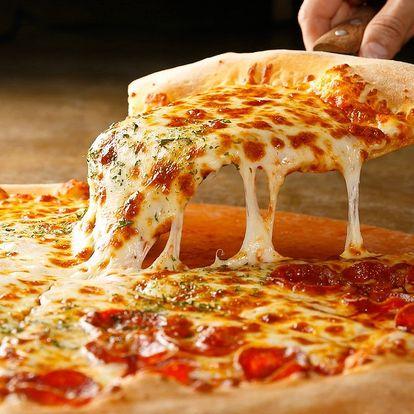 2 čerstvé pizzy o průměru 32 cm dle výběru
