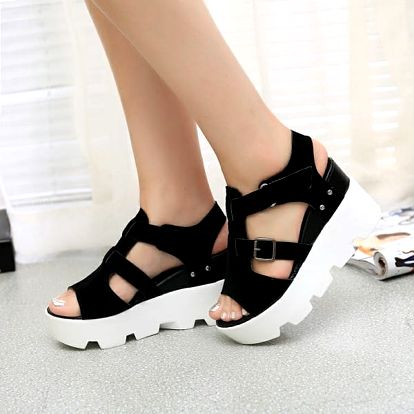 Pohodlné sandále na vysoké platformě - Černá - velikost 38