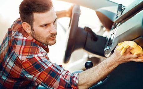 Čištění interieru automobilu suchou párou