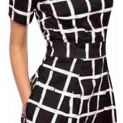 Dámské šaty s kostkovaným vzorem