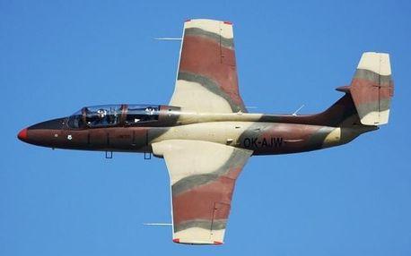 Let ve stíhačce L-29