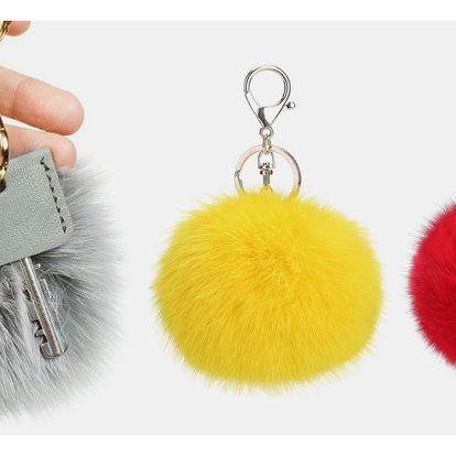 Kožešinový přívěsek na kabelku či klíče
