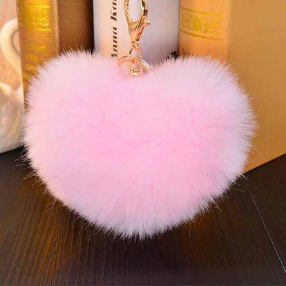 Chlupatý přívěšek ve tvaru srdce - světle růžový