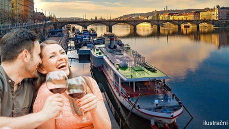 Piknik na náplavce: Moravské víno, sýry a pečivo
