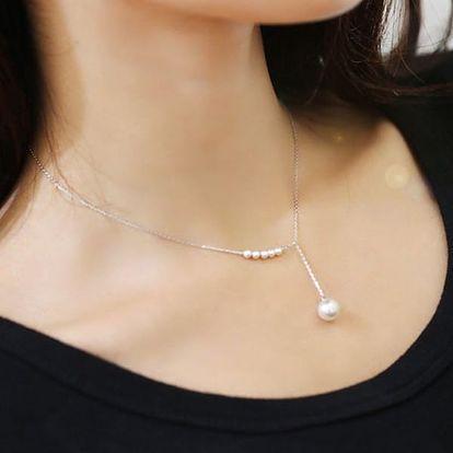 Decentní společenský náhrdelník s perličkami