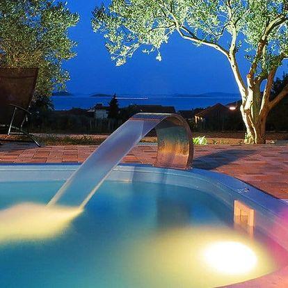 Chorvatsko, Pakoštane: 7 nocí v resortu s bazénem