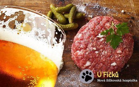 300 gramů tataráku s 15 topinkami a 6 půllitry piva v pražské hospůdce U Fíčků