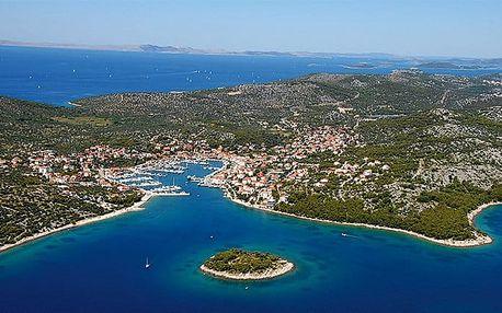 12denní zájezd pro 1 do chatek v moderním kempu Jezera Village v Chorvatsku
