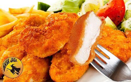 500 gramů kuřecích miniřízečků s hranolky a oblohou v restauraci Baba Jaga v Praze