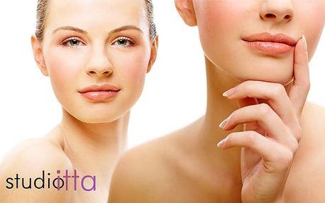 Permanentní make-up rtů, horních i dolních očních linek nebo obočí ve studiu Itta v Praze