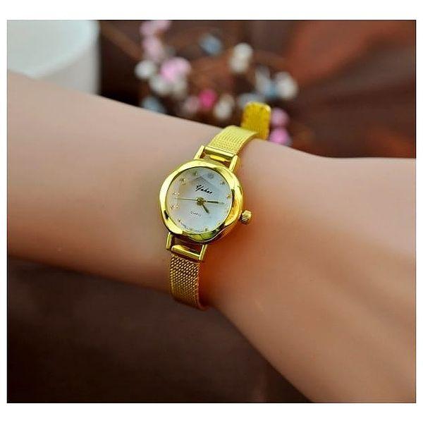 Dámské hodinky s úzkým páskem ve zlaté nebo stříbrné barvě
