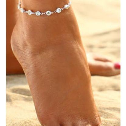 Elegantní náramek na nohu s kamínky