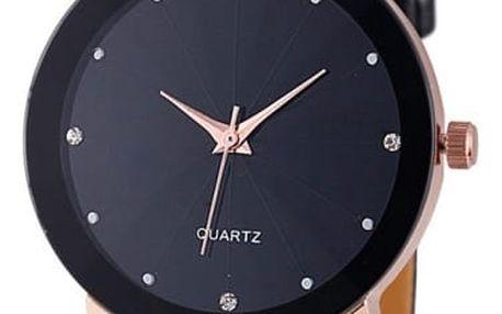 Černé hodinky v jednoduchém designu