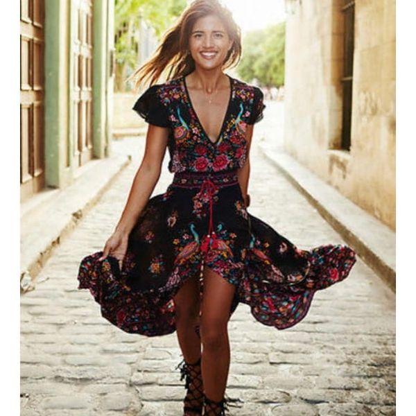 Dlouhé šaty s asymetrickou sukní a červeným květovaným vzorem - vel. 3