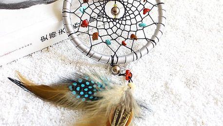 Malý lapač snů s barevnými korálky