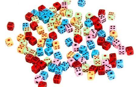 Sada 100 kusů barevných hracích kostek