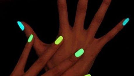 Lak na nehty zářící ve tmě - různé barvy
