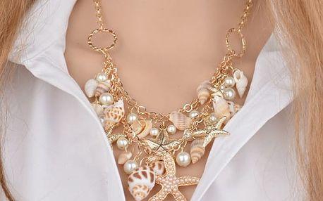 Výrazný náhrdelník s mušlemi a hvězdicemi