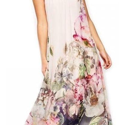 Dlouhé šaty s květinovým motivem