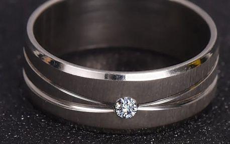 Dámský prsten s kamínkem