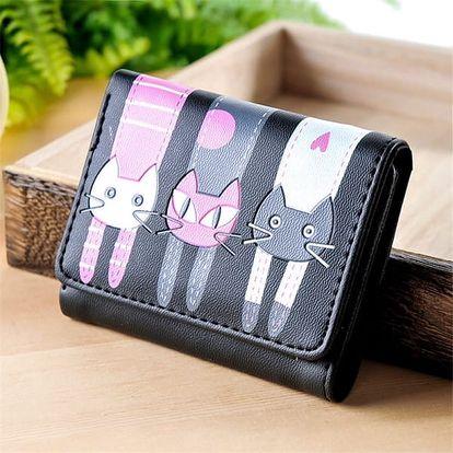 Dámská krátká peněženka se třemi kočkami - Tmavě růžová