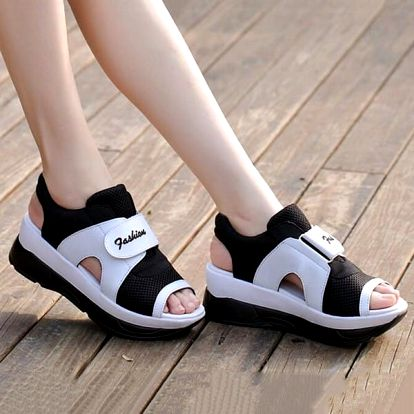 Dámské turistické sandále na suchý zip - černobílá-23 cm (vel. 36)