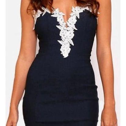 Dámské šaty se zdobeným výstřihem a sukní - velikost č. 6