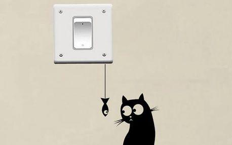 Samolepka na vypínač - Kočička s rybičkou