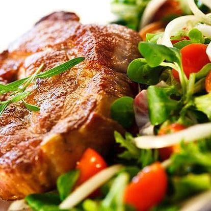 Masová hostina pro 2 s hranolkami a dezertem v restauraci hotelu Millenium ve Varech