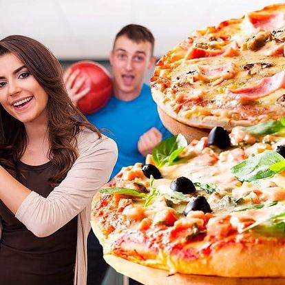 Hodina bowlingu pro 6 osob a dvě pizzy k tomu