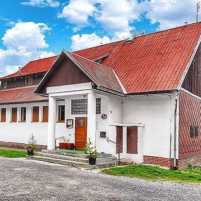 3 až 6denní pobyt s polopenzí pro 2 osoby v horské chatě Na Papírně na Šumavě