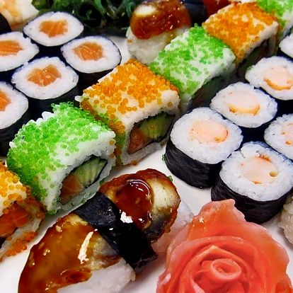 Barevné sushi sety pro gurmány: 28 či 40 ks