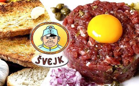 Tatarský biftek 250 g nebo 500 g s topinkami ve Švejk Restaurantu Strašnice. Zajděte si s přáteli na pivo nebo na víno a popovídejte si u talíře poctivého tataráku s křupavými topinkami v restauraci Švejk.