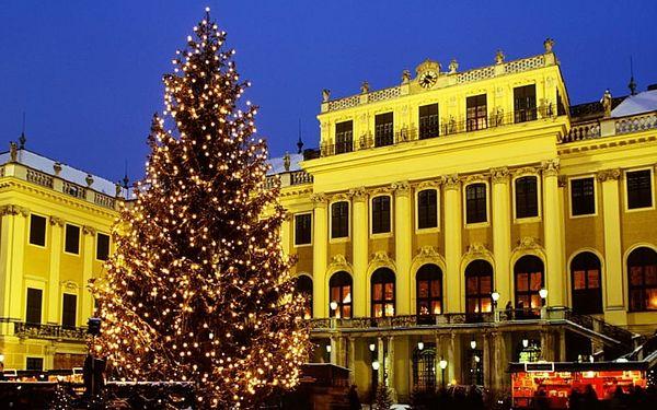 Advent ve Vídni a císařské sídlo Schloss Hof