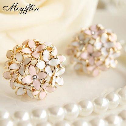 Křišťálové květy. Dokonalý šperk, který jednoduše zdůrazní Vaši krásu