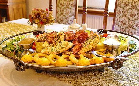 Rudolfovo plato plné masa, brambor a zeleniny pro gurmány v Golemově restaurantu v Praze