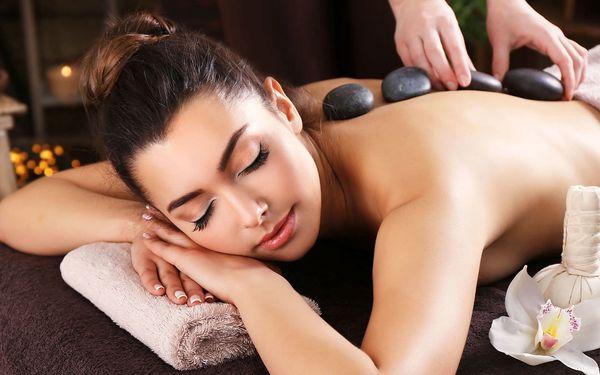 Hřejivá masáž lávovými kameny