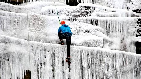 Kurz ledového lezení
