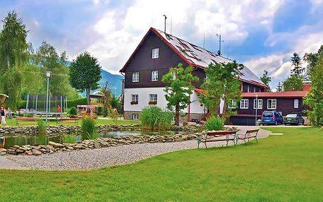 Odpočinkové Beskydy v 3* resortu s polopenzí + bazén se slanou vodou a sauna