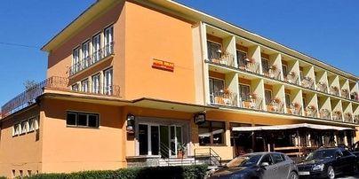 Hotel Rezident