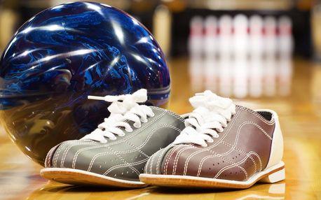Bowling pro partu kámošů včetně půjčení bot